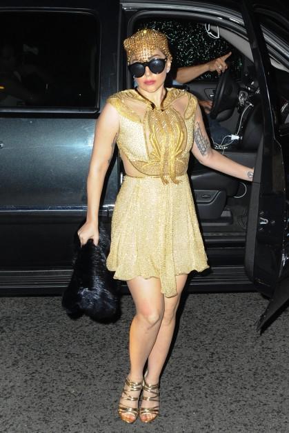 Lady-Gaga-AG040354_01-419x628